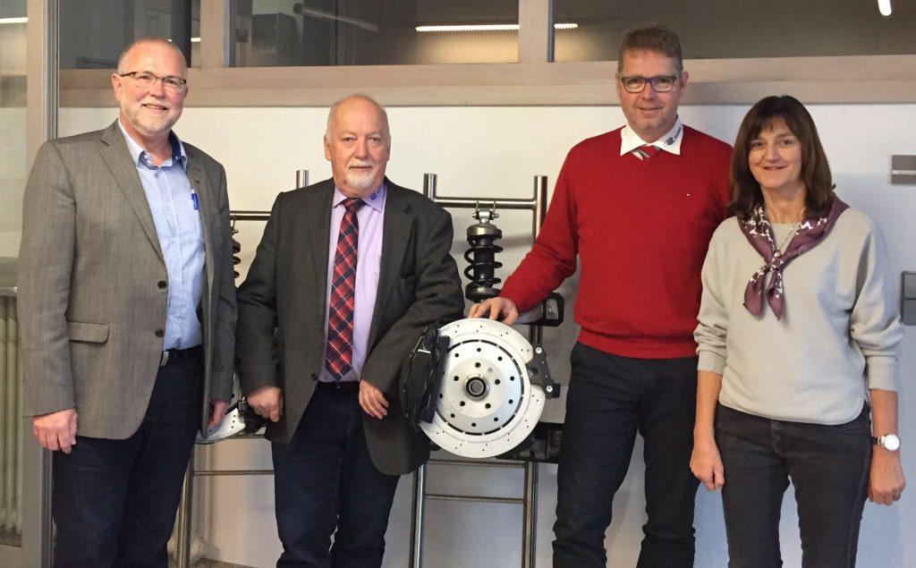 Kaiser Aluminium-Umformtechnik GmbH aus Schramberg überreichte eine Spende in Höhe von 1 000 Euro